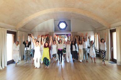 Hatha Vinyasa Yogalehrer Ausbildung auf Mallorca 01.12.- 17.12.2018