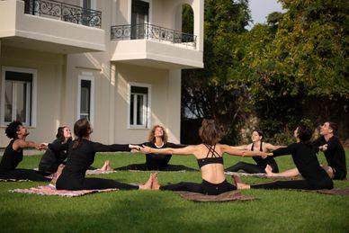 Hatha Yogalehrer Ausbildung 200 RYT in der Yoga Skyros Academy Griechenland